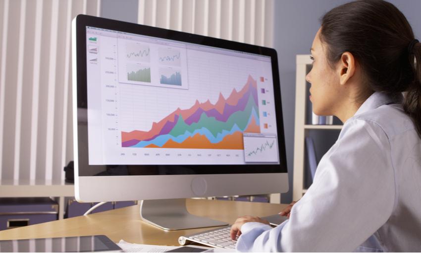 analisi dei dati e dei grafici al computer