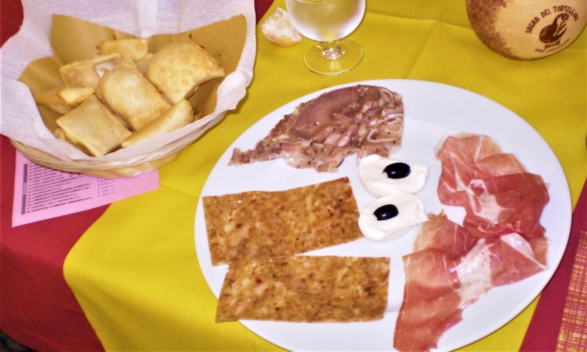 gnocco fritto salumi lambrusco