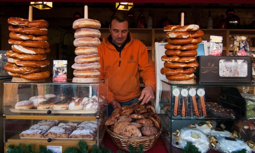 venditore ambulante di strudel e pane altoatesino