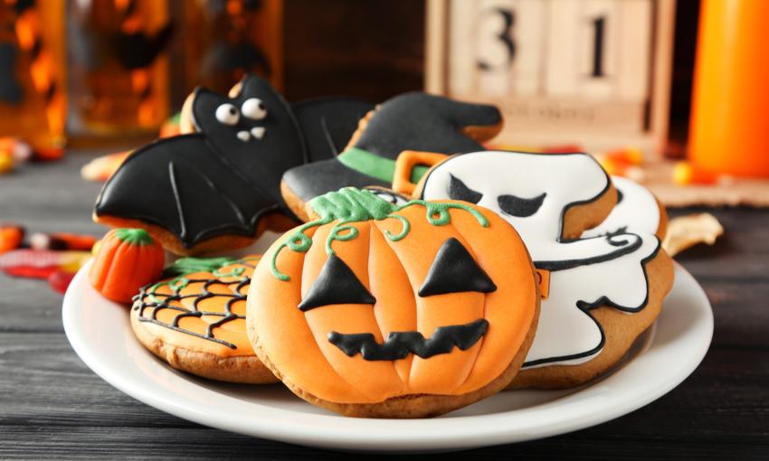 biscotti a forma di fantasma e zucca per Halloween