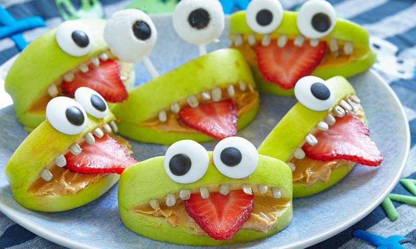 mostriciattoli di frutta fresca per Halloween