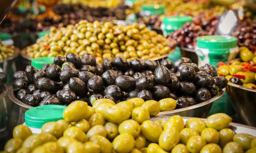 olive in vendita al mercato