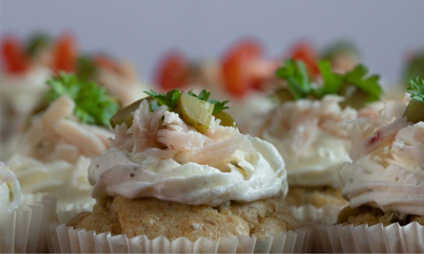 vassoio con cupcake salati