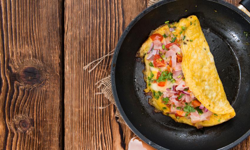 omelette mortadella