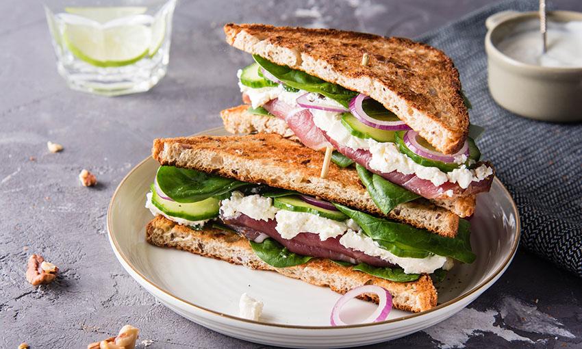 toast spinaci robiola