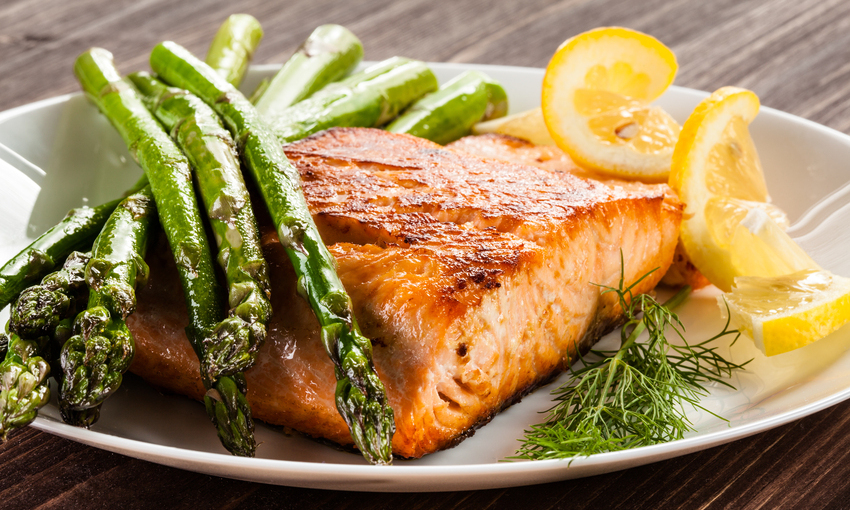 salmone agli asparagi