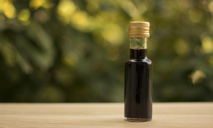 Bottiglia aceto balsamico