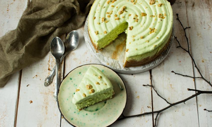 Cheesecake con biscotti secchi e pistacchio