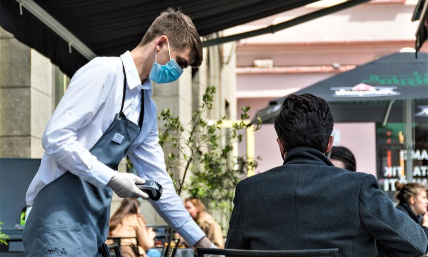 Riapertura dei ristoranti all'esterno
