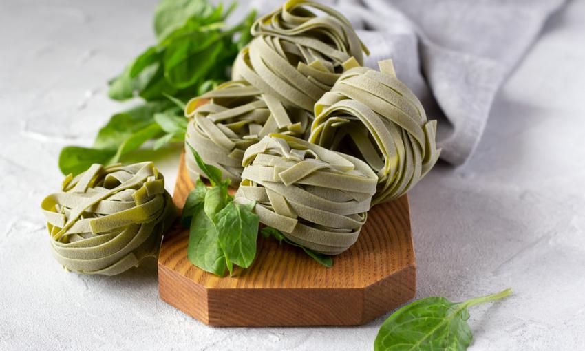 ricetta tagliatelle spinaci
