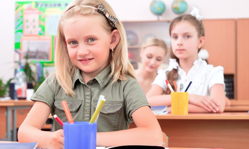 Bambina ripartenza scuola
