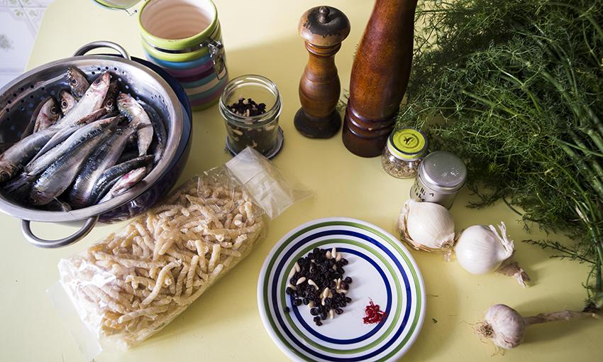 pasta-con-le-sarde-ricetta-rivisitata