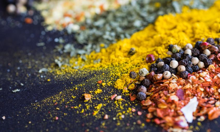 Spezie ed erbe aromatiche per riduzione
