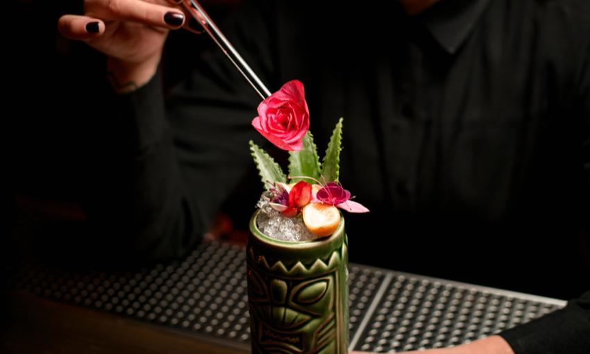 Tiki Bar cocktail frutta