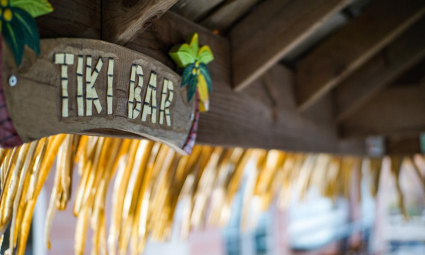 Tiki Bar insegna
