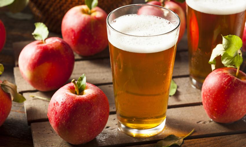 Sidro di mele bavanda